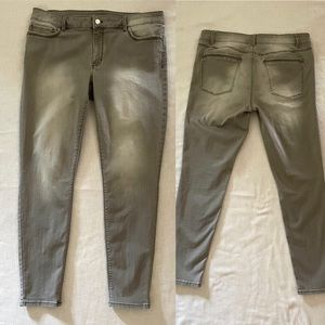The Skinny Gray jeans, size 12